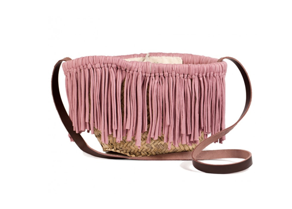 lavidacollage-bolso-diseño-exclusivo-made-in-spain-milano-pale-pink-bag-cool-chic-style-bag-itbag-vogue-paris-bandolera-flecos-palo-rosa