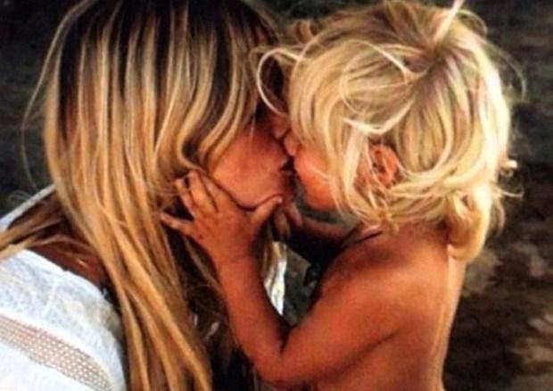 lavidacollage-bolso-diseño-exclusivo-edición-limitada-made-in-spain-style-chic-cool-kiss-mehappy-mother-day-feliz-dia-de-la-madre